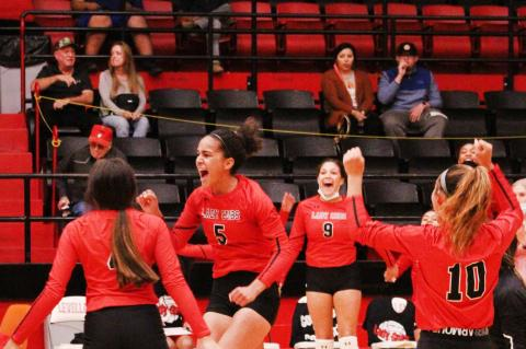 Undefeated Lady Cubs take win in 4 sets
