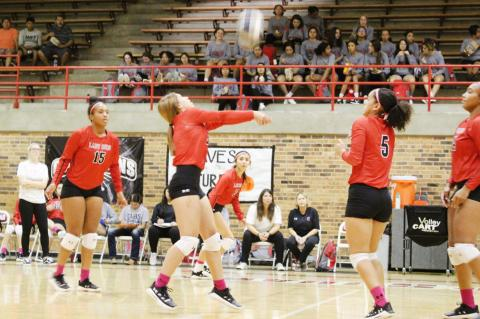 Lady Cubs hold off Squaws for fifth win in a row