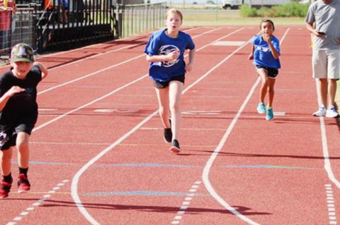 Wellman Union holds track meet for kids