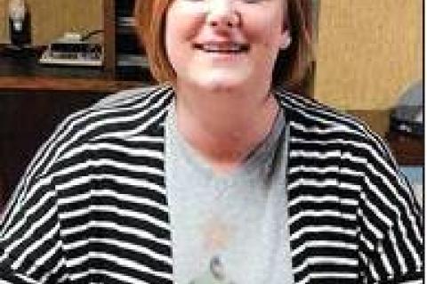 Council removes interim, tabs Davis as city manager