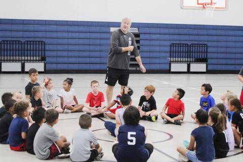 Future hoopsters attend Brownfield basketball camp