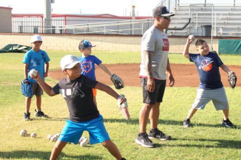 Cubs baseball camp teaches kids the basics