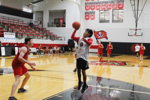 Brownfield ends Frenship summer league with a split