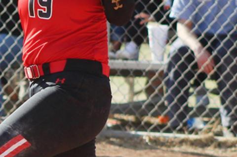 Lady Cubs improve to 3-0 in district